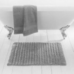 Ribbed Silver Bath Mat Silver